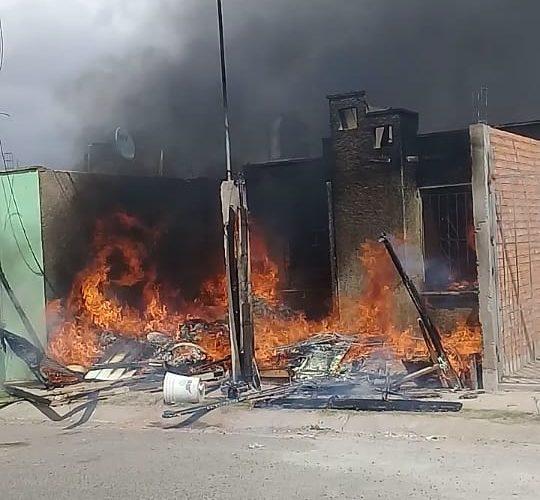 Se registra incendio domiciliario en VNSA
