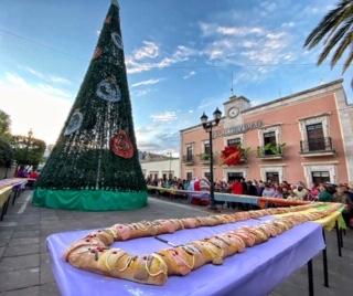 En Calvillo compartieron la tradicional Rosca de Reyes