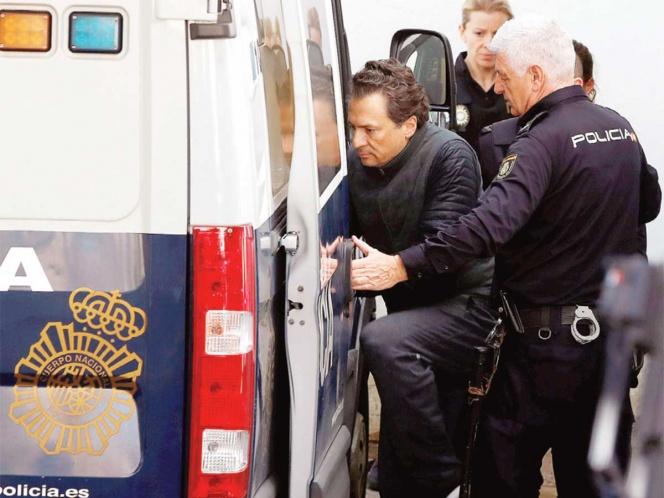Dictan prisión preventiva a Lozoya Austin; se niega a ser extraditado