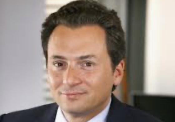 Detienen a exdirector de Pemex en España