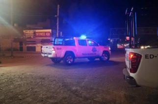 Balacera en La Chona deja un muerto y una mujer herida