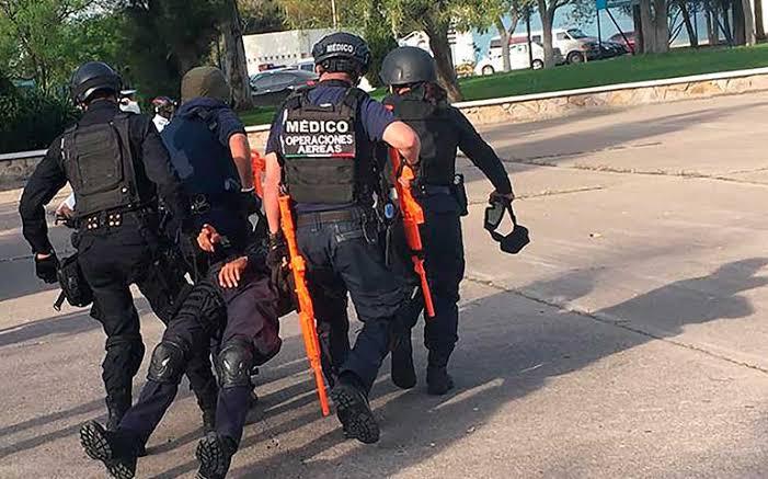 Policía de Aguascalientes resultó baleado. Un compañero le disparó mientras entrenaba tiro
