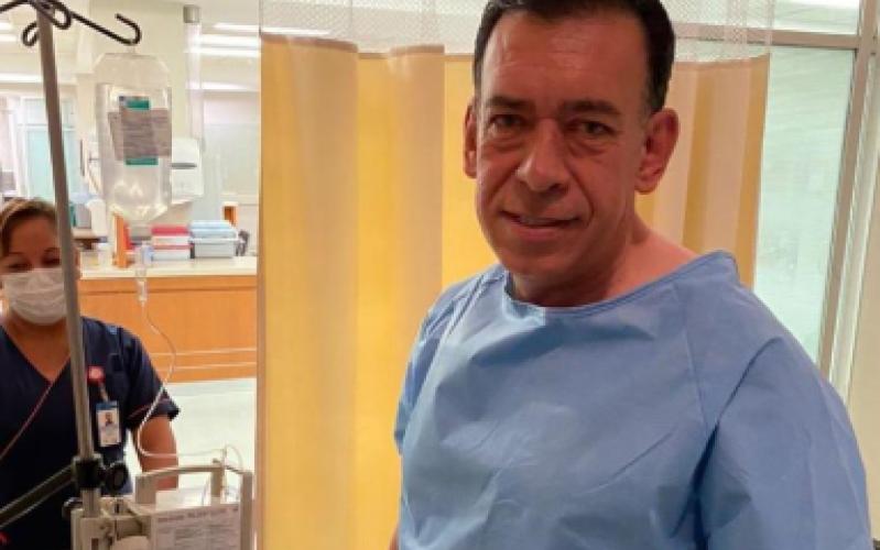 Tras un infarto,  Humberto Moreira se recupera en un hospital