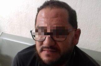 Detienen a director de secundaria de Rincón de Romos por beber alcohol en la vía pública