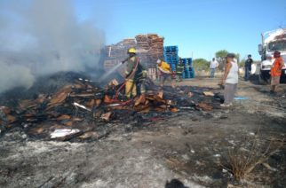 Se incendia recicladora en Aguascalientes
