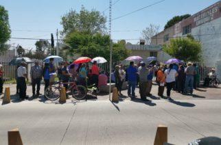 Formar bajo el rayo del sol a adultos mayores para cobrar sus apoyos los expone a la crisis sanitaria: Alcaldes de Aguascalientes