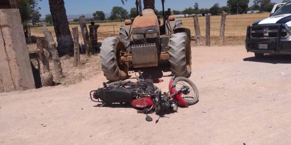 Choque entre tractor y motocicleta deja un lesionado en Tepezalá