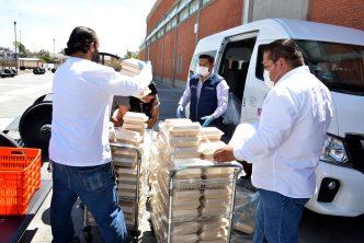 DIF municipal entrega alimentos por donación de Grupo Modelo