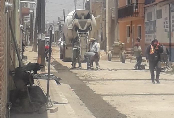 Comerciantes de Rincón de Romos batallan con el servicio del agua.