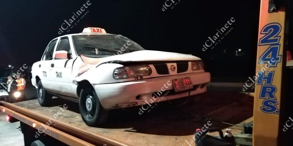 Volcadura le amputa la mano a taxista en la carretera 25 en Aguascalientes