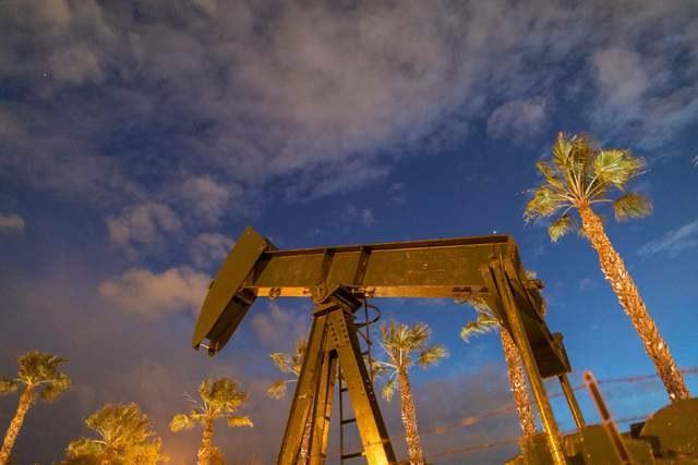 Se desploma 92% el precio del petróleo