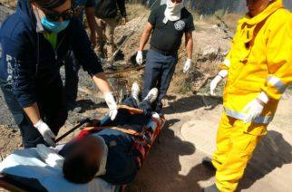 Rescatan a quincuagenario lesionado por caída