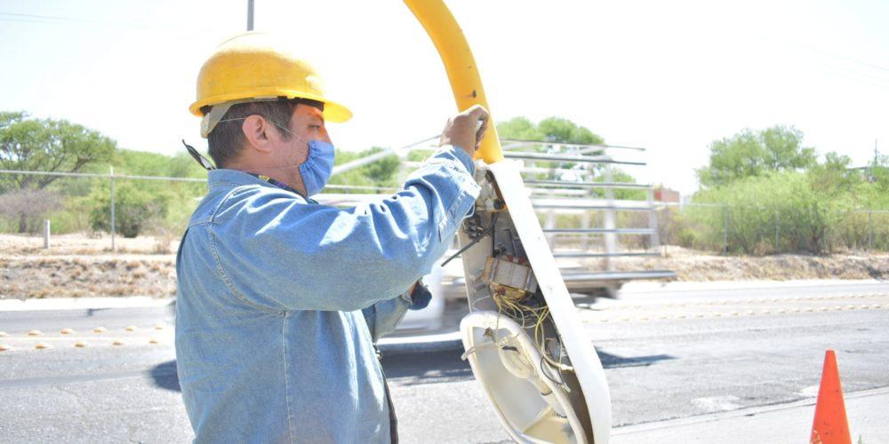 Mejoran alumbrado público en vialidades de Aguascalientes