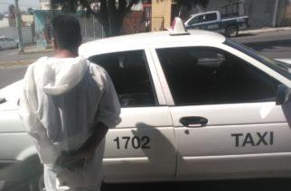 Detienen a taxista de Aguascalientes por asustar a su pasajera al decirle que estaba infectado de Coronavirus
