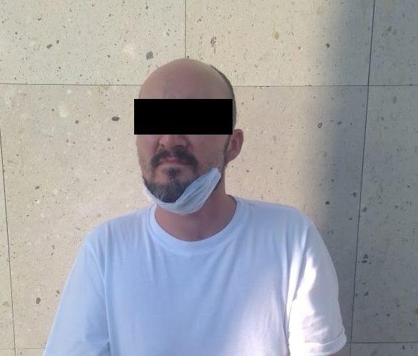 Capturan a sujeto que conducía auto robado, mismo al que se le encontró marihuana