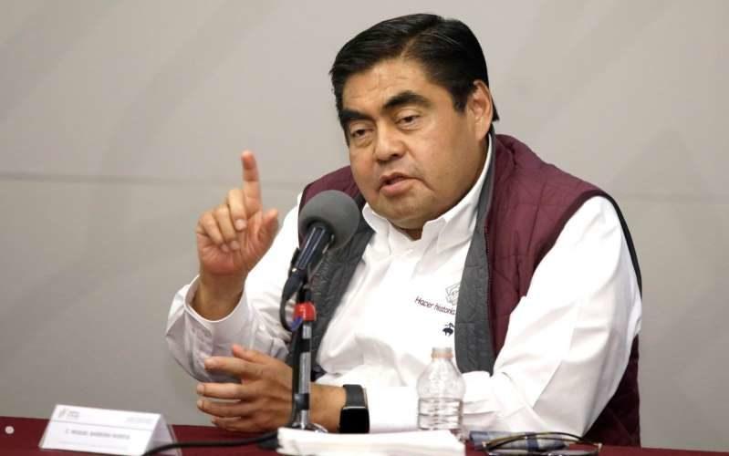 Barbosa prohíbe el reinicio de actividades industriales en Puebla