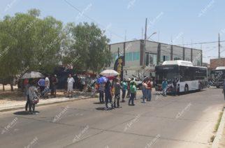 Retienen autobuses de #YoVoy en Municipio Libre