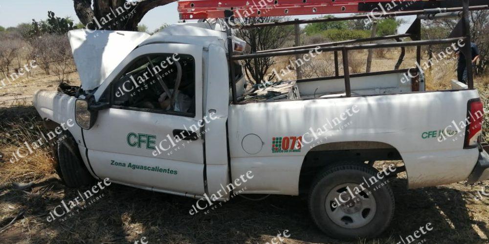 Trabajador de CFE muere en accidente en la carretera a Villa Hidalgo