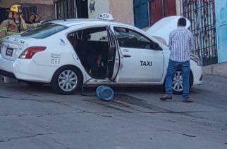 Falla mecánica envuelve en llamas a mecánico en Aguascalientes