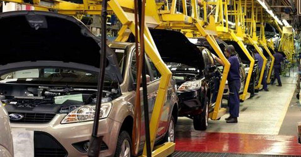 Industria automotriz cae un 29.25% en junio