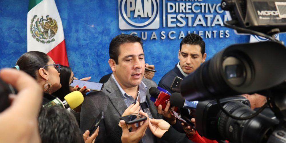 """Legisladores federales del PAN lanzan la consulta """"Pregúntale A México"""""""