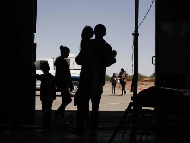 Ordenan liberar a niños migrantes en EU debido al coronavirus
