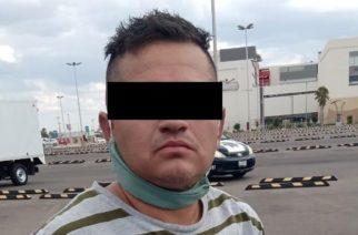 Detienen a sujeto por arrastrar a un policía con su coche en Aguascalientes