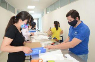 Universidades locales apoyan a personal de salud con equipo de protección