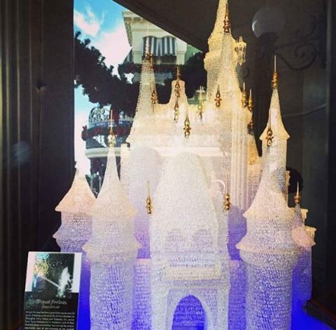 Niños rompen escultura de cristal valuada en más de 64 mil dólares