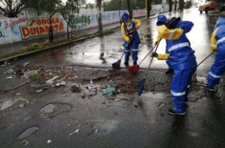 Intensifican operativos de limpia en la ciudad para evitar inundaciones