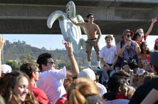 """Jóvenes de EU organizan """"fiestas Covid""""; el primero que se contagie gana dinero"""