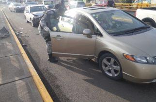 Choque entre dos vehículos deja una lesionada