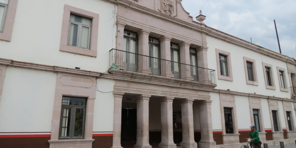 Existen pendientes en obras públicas de Rincón de Romos: Díaz