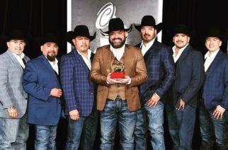 Cinco integrantes de Intocable dan positivo al Covid-19