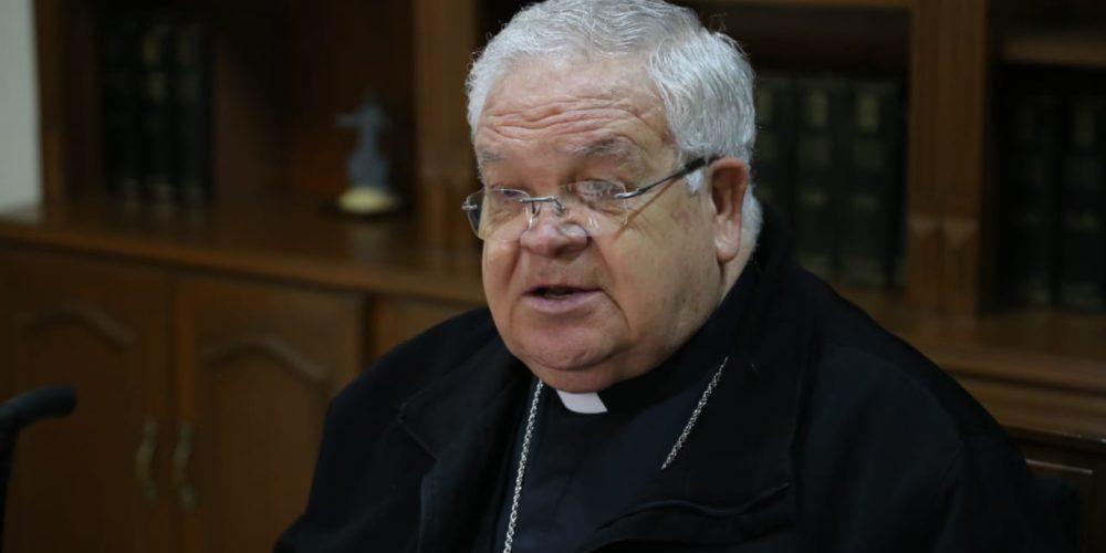 Obispo José María de la Torre es intubado por Covid-19