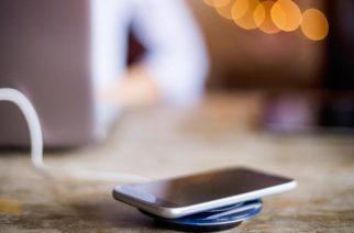 """Carga inalámbrica de celulares genera un """"desperdicio de energía"""": estudio"""