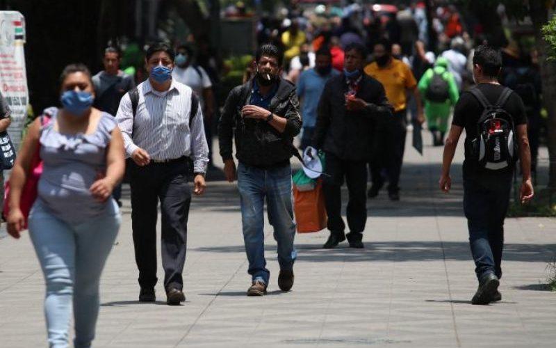 Diputados quieren sancionar a quien escupa en la calle