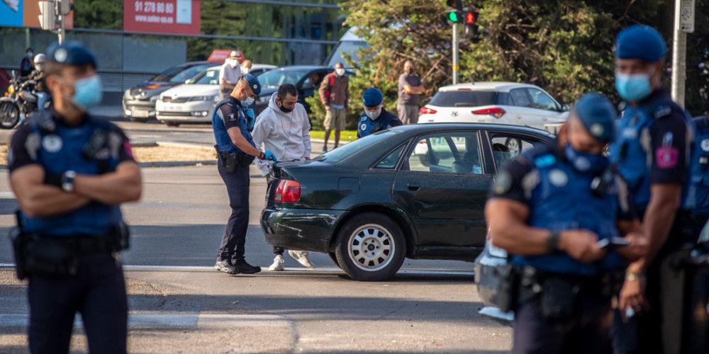 Desplegarán al Ejército y policías en Madrid para hacer cumplir restricciones de la pandemia