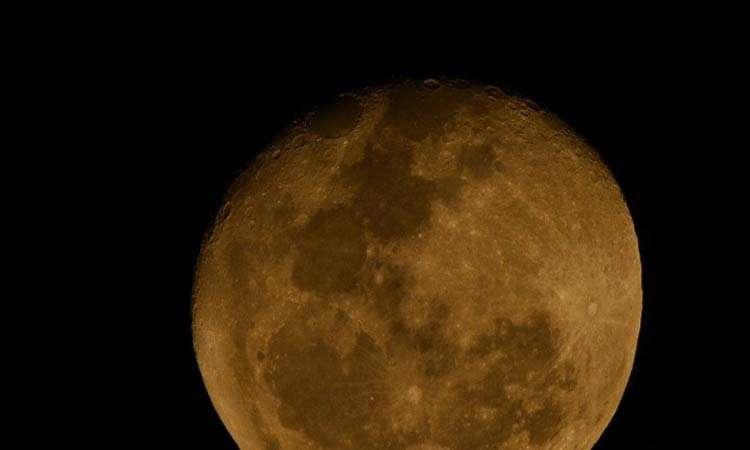 Científicos aseguran que la luna se esta oxidando