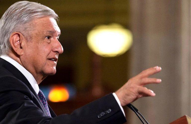 López Obrador advirtió que si se manifiestan 100,000 y pierde el apoyo, deja la presidencia