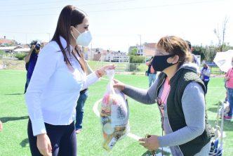 Municipio continúa entregando apoyos alimenticios