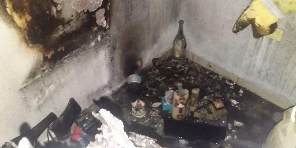 Veladora provoca incendio en vivienda de Jesús María