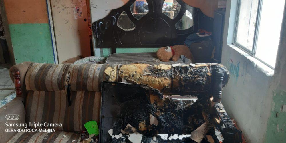 Sofocan incendio dentro de un departamento en Fovissste Ojocaliente