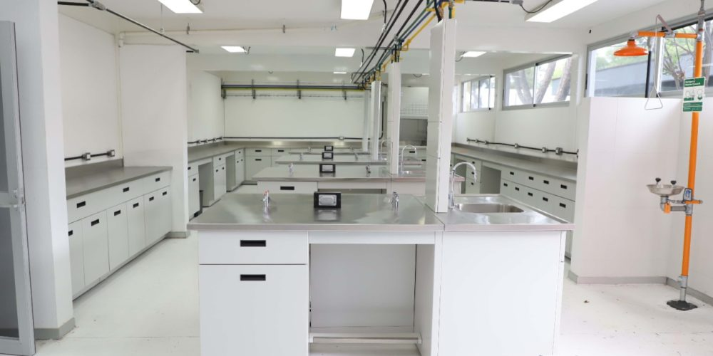 UAA fortalece laboratorios en beneficio de 500 estudiantes