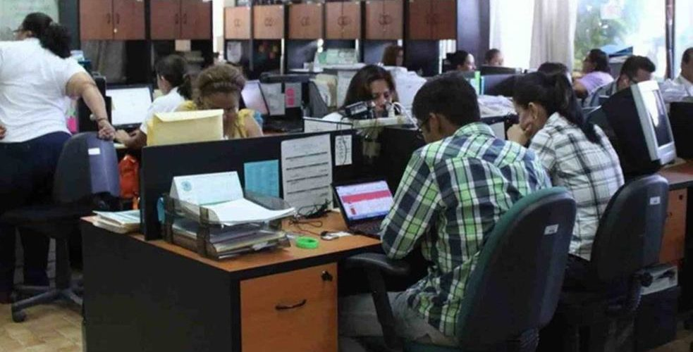 Por pandemia, burócratas regresarán a trabajar a sus oficinas hasta el 2021