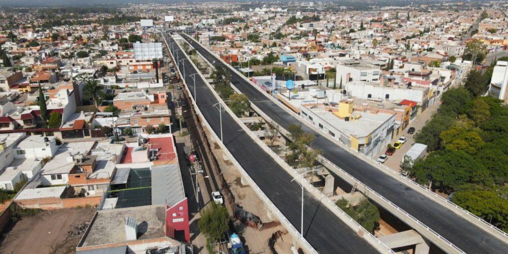 Sin riesgo estructural puentes de distribuidor vial Las Américas: Mata
