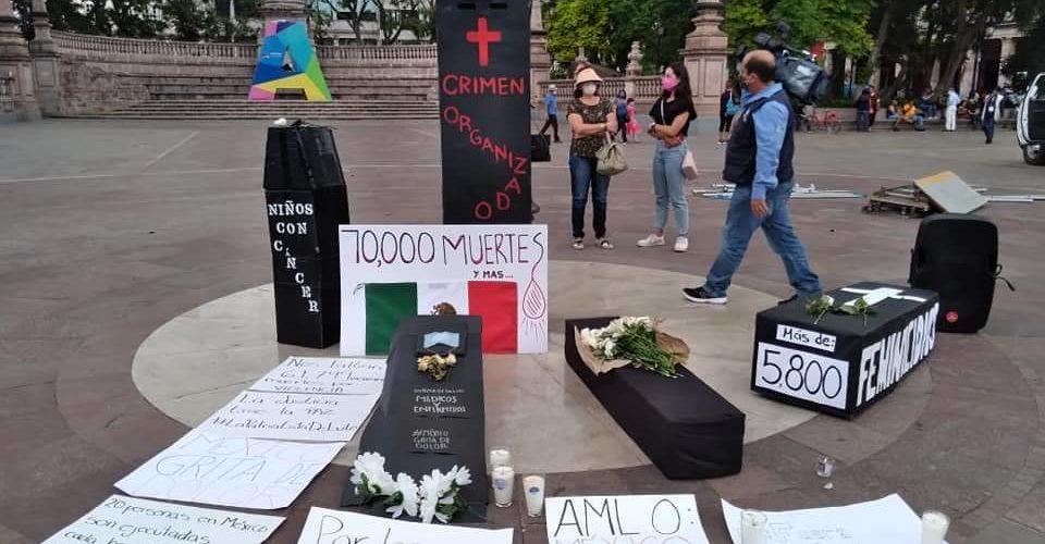 Se manifiestan contra AMLO en Aguascalientes