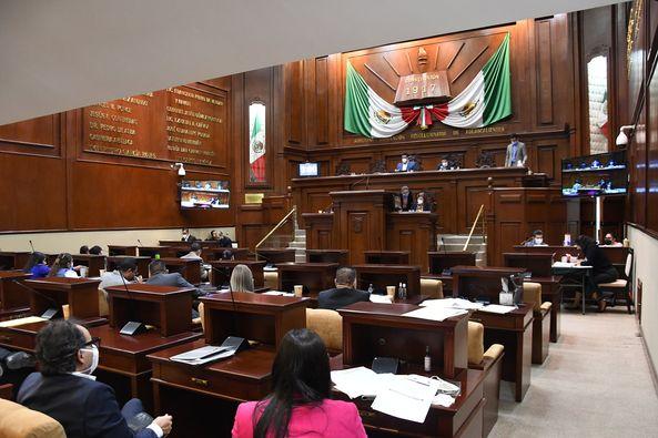 Diputados reforman leyes para proteger a niños y servidores públicos