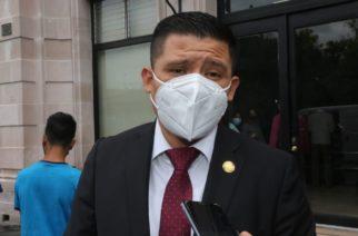 """Guzmán a funcionarios: """"que se agarren para la glosa del informe"""