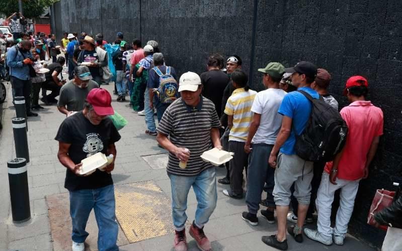 Por Covid-19, mexicanos en pobreza extrema pasan de 22 a 32 millones